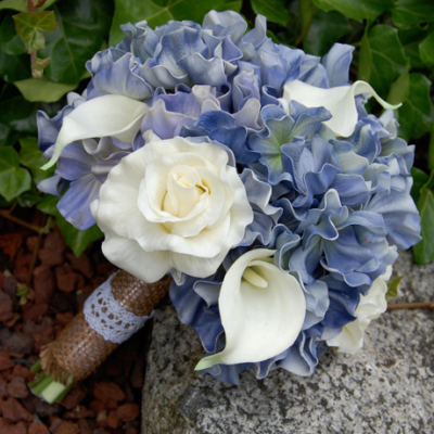 Hydrangea-Roses-and-Calla-Lilies-Bridal-side.png